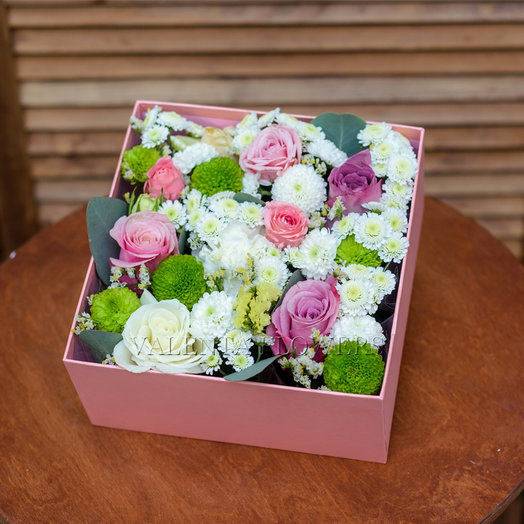 Композиция  в коробочке: букеты цветов на заказ Flowwow