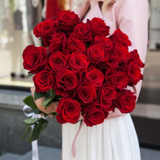 Букет из 25 красных роз 50 см: букеты цветов на заказ Flowwow