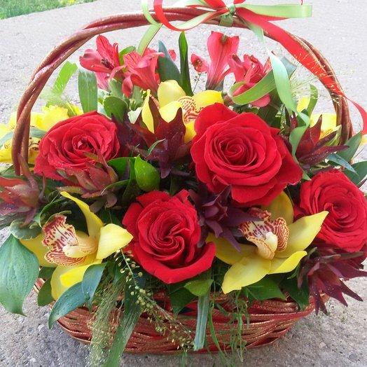 Восточные страсти корзина: букеты цветов на заказ Flowwow