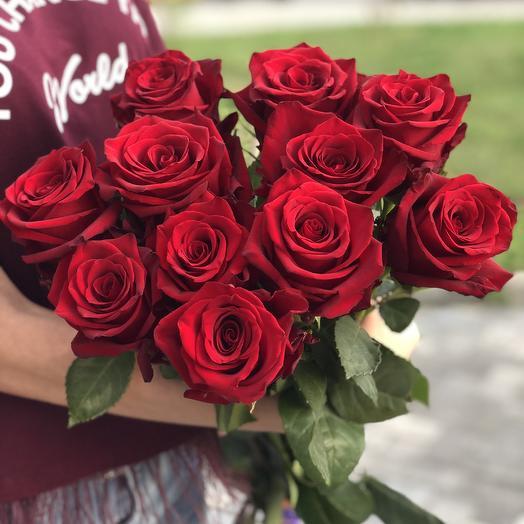 11 красных роз Freedom: букеты цветов на заказ Flowwow
