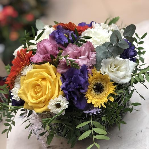 Яркое лукошко: букеты цветов на заказ Flowwow