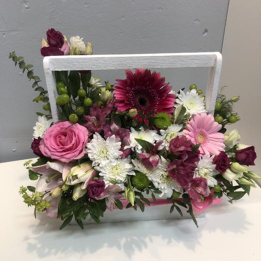 Ящик с цветами: букеты цветов на заказ Flowwow