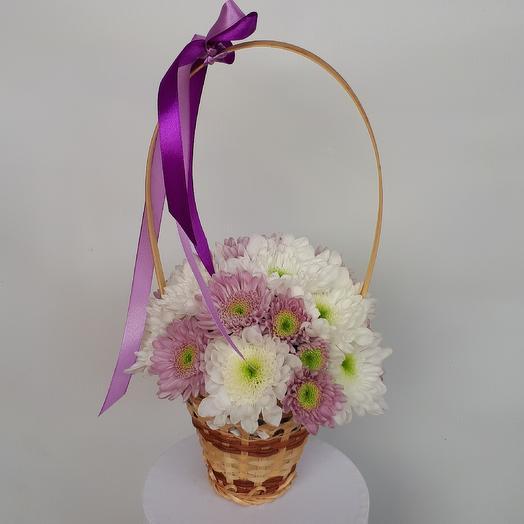 Хризантемы в корзинке: букеты цветов на заказ Flowwow