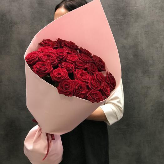 25 роз в Упаковке: букеты цветов на заказ Flowwow