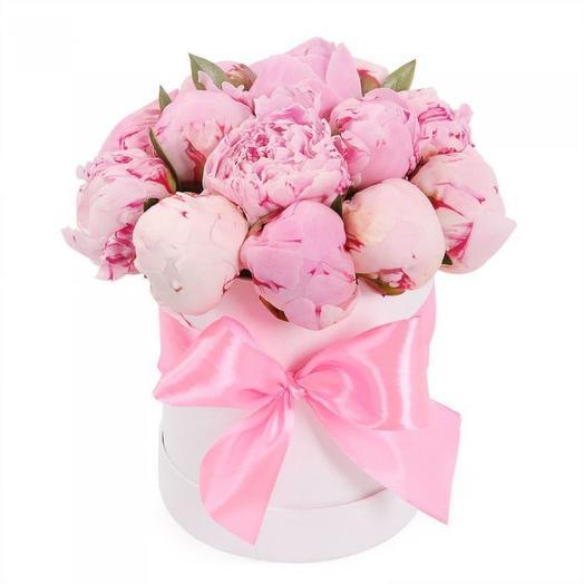 "Коробка пионов "" Сара Бернар"": букеты цветов на заказ Flowwow"