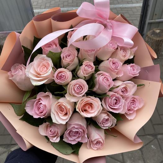 25 нежных роз