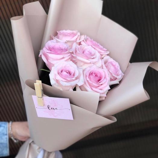 Розы в корейском оформлении