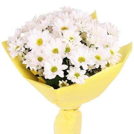 Букет с белой хризантемой