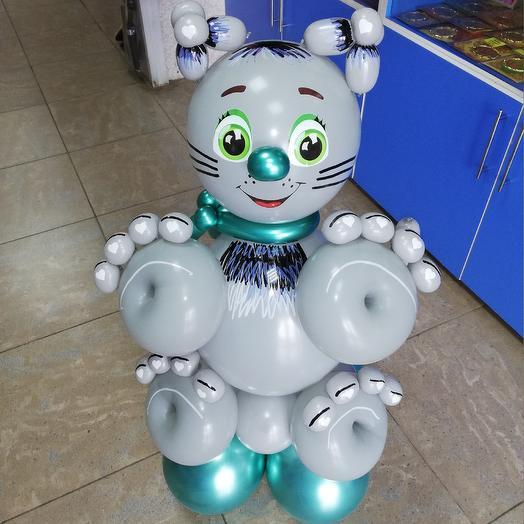 Котик из воздушных шаров: букеты цветов на заказ Flowwow