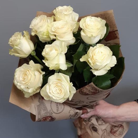 Букет из 9 крупных белых роз