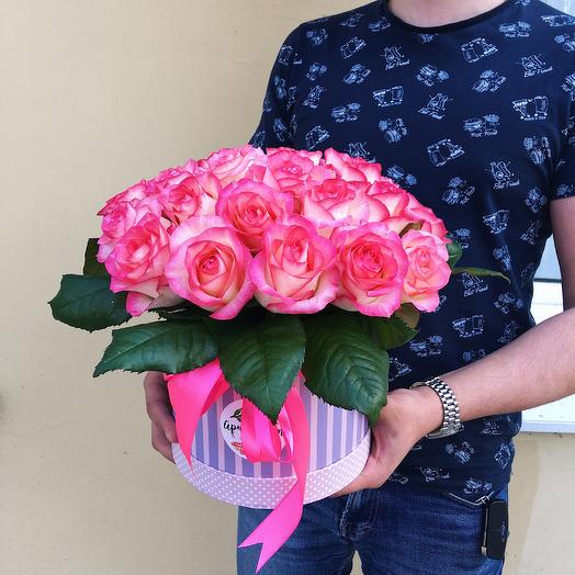 Коробка из 25 роз Джумилия