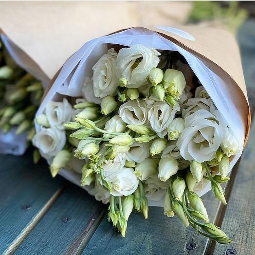 Нежная эустома: букеты цветов на заказ Flowwow