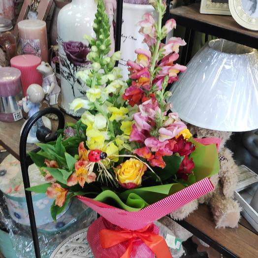 Вертикальный букет: букеты цветов на заказ Flowwow