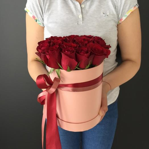 Lady Flowers - 15 роз в шляпной коробке