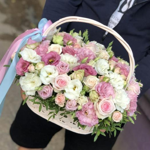 """Корзина с цветами """"Воздушный поцелуй"""""""