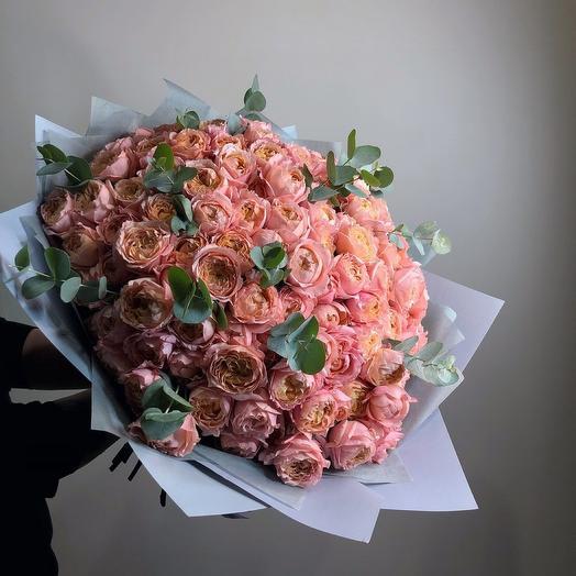 Букет пионовидных роз Джульетта