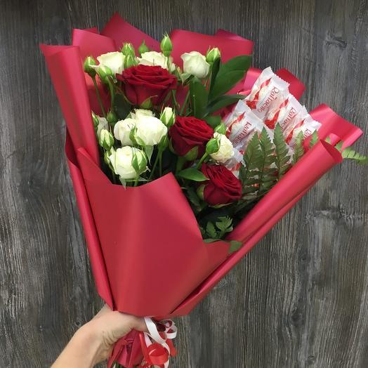 Букет из роз и раффаэлло