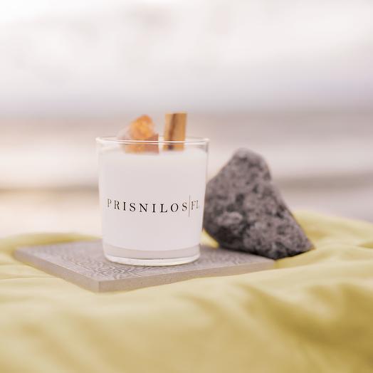 Соевая свеча с ароматом мёда и мяты и натуральным кристаллом цитрина