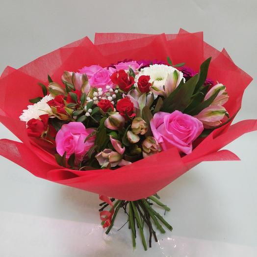 Букет из роз с гермини