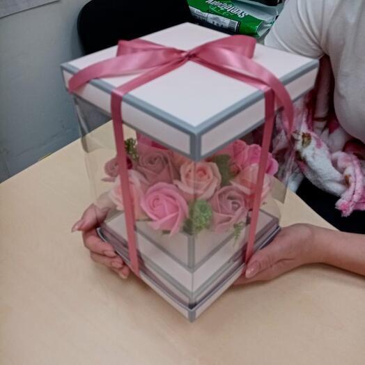15 мыльных роз в коробке аквариум