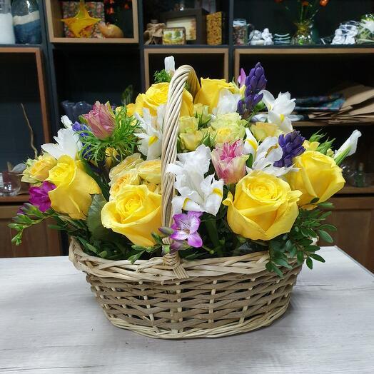 "Корзина с цветами ""Весеннее утро"""