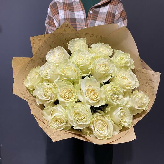 "Букет ""Флер де Коко"" из 19 белых роз 60см"