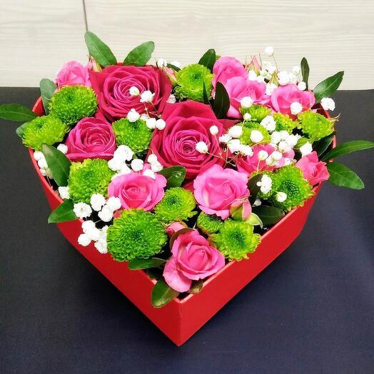 Букет в коробке в виде сердца 0063840