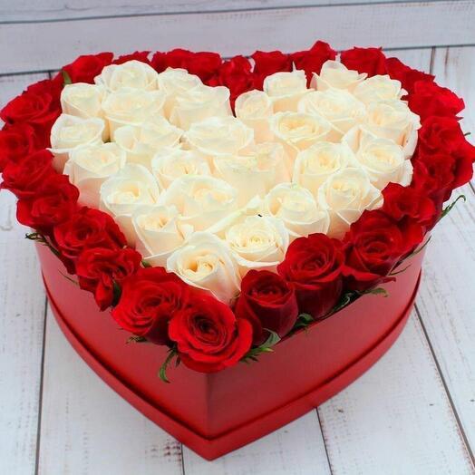 Цветы в коробке Большое Сердце