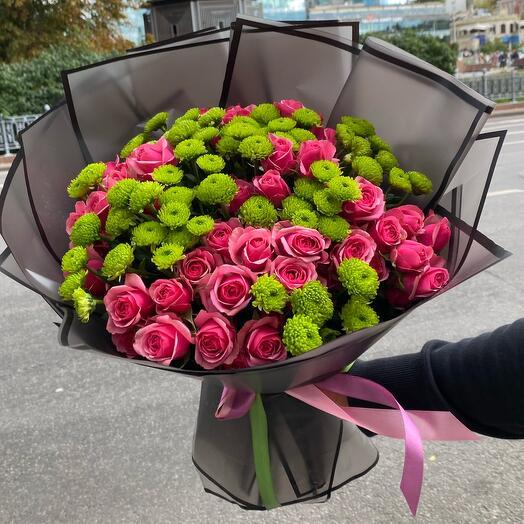 Кустовые Розы с сантини