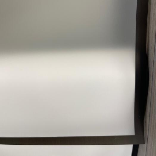 Плёнка полупрозрачная белая с чёрным кантом