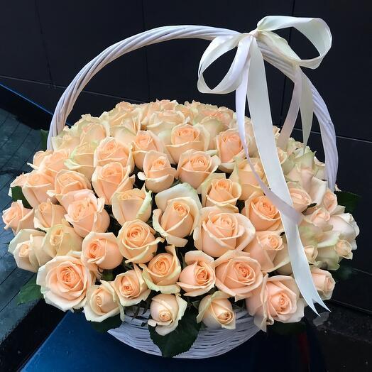Корзина 101 персиковая Роза