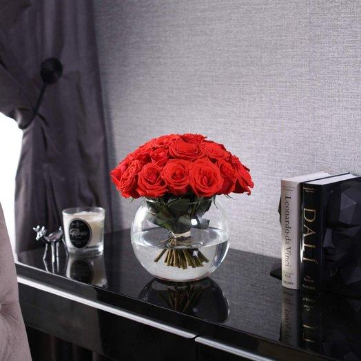 Букет из 25 роз Nina в вазе