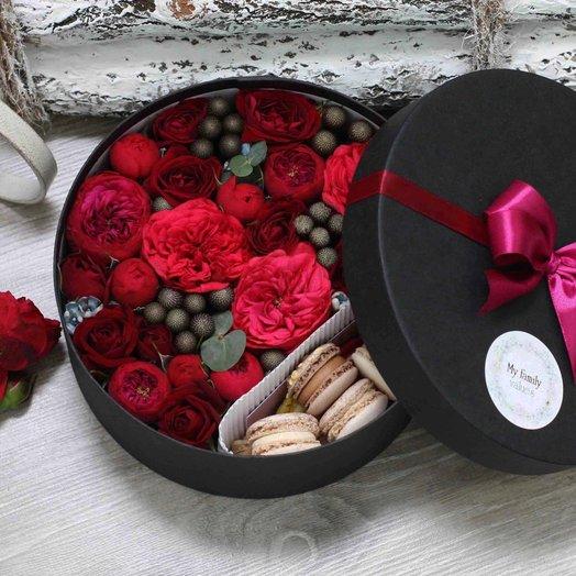 Цветы и макаруны M (20 см) 0160