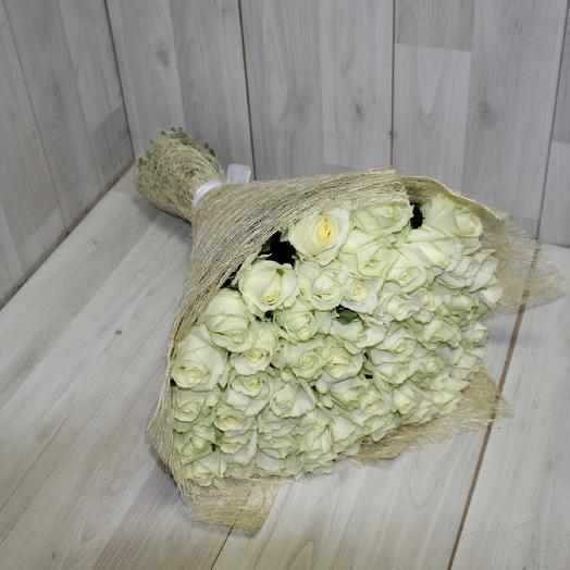 55 Белая роза Аваланж: букеты цветов на заказ Flowwow