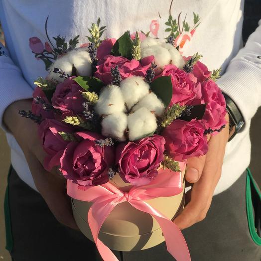 Мини комплимент . Коробки с цветами. Розы. Хлопок, Лаванда N262: букеты цветов на заказ Flowwow