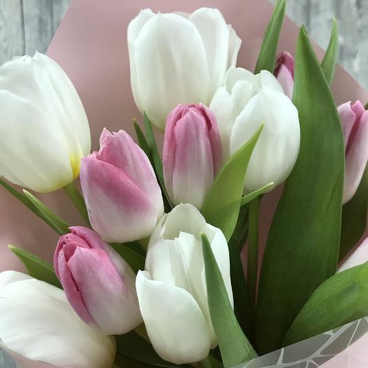 Кулёк 11 нежных тюльпанов: букеты цветов на заказ Flowwow