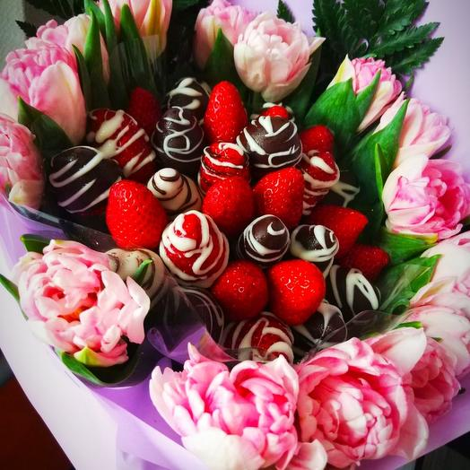 """Клубничный букетик с тюльпанами """"Тебе,любимая!"""": букеты цветов на заказ Flowwow"""