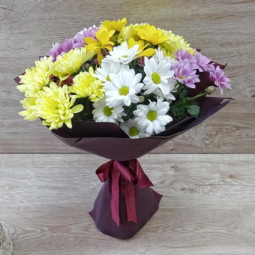 Букет 7 хризантем в матовой плёнке: букеты цветов на заказ Flowwow