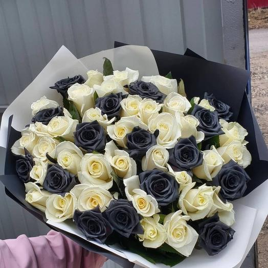 51 роза черно белая: букеты цветов на заказ Flowwow