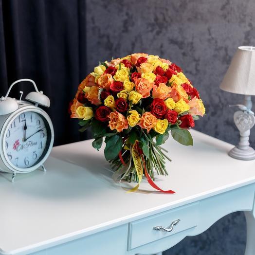 101 разноцветные розы в оранжевых тонах с премиум доставкой: букеты цветов на заказ Flowwow