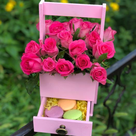 Комодик: букеты цветов на заказ Flowwow