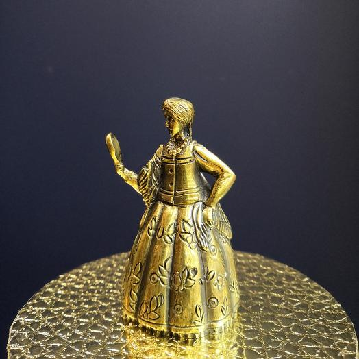 Бронзовая статуэтка - колокольчик: букеты цветов на заказ Flowwow