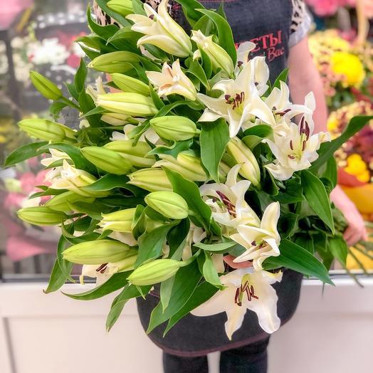 Букет из  5 лилий: букеты цветов на заказ Flowwow