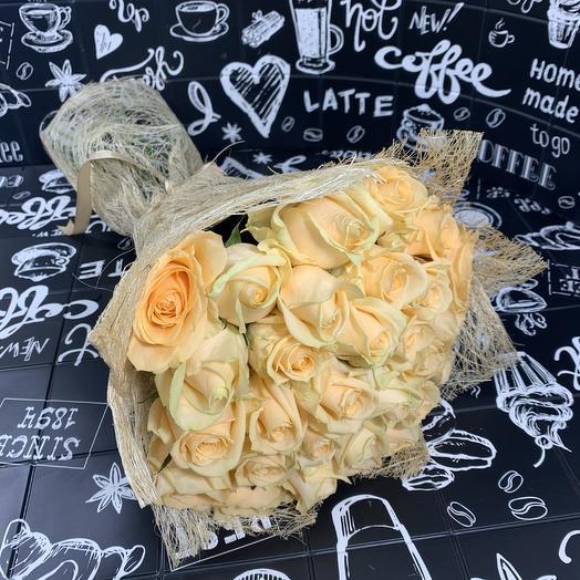 Букет из 29 кремовых роз: букеты цветов на заказ Flowwow