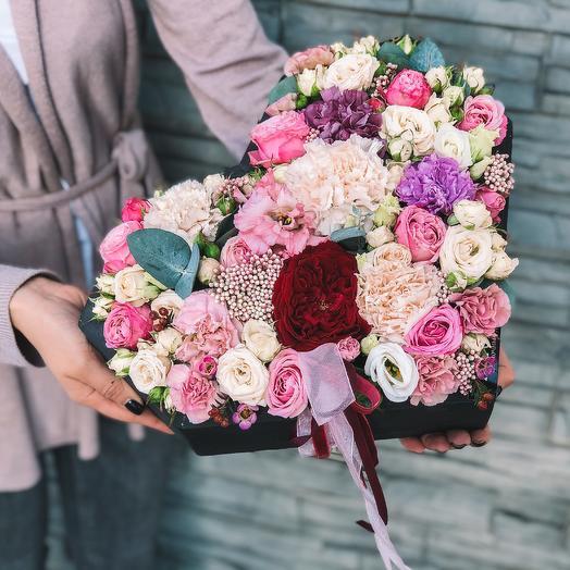 """Цветы  деревянной коробке """"Сердце"""": букеты цветов на заказ Flowwow"""