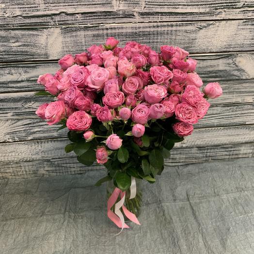 25 пионовидных кустовых роз: букеты цветов на заказ Flowwow