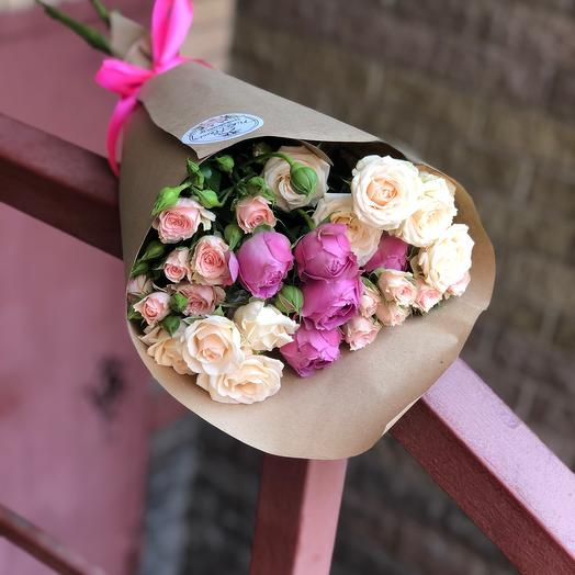 Кустовые розы в крафте