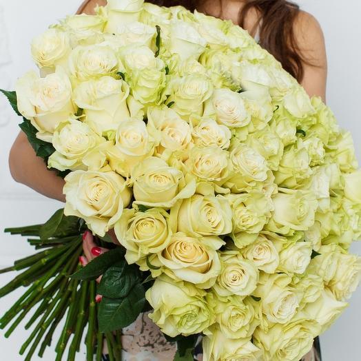 101 белая роза 50 см в букете