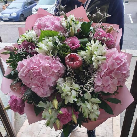 Нежнейший букет розовых гортензий