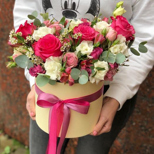 Цветы в шляпной коробке «Малиновый Раф»